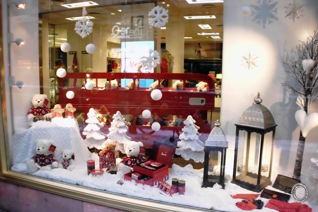 Ein schönes Weihnachtsfenster für Fernwehmenschen