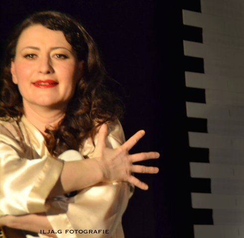 Die jüdische Frau 1 klein Foto: Ilja Gorodezki